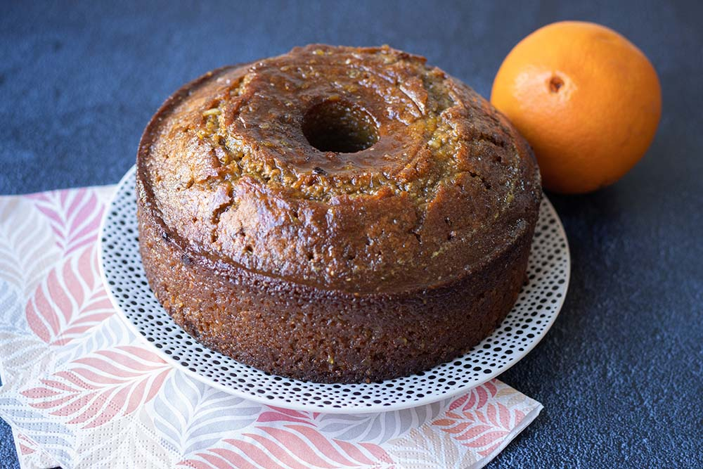 Gâteau moelleux à l'orange et aux graines de chia 1