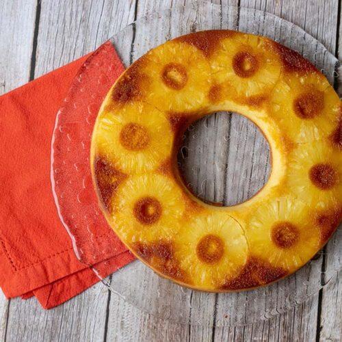 Gâteau renversé à l'ananas de Bree Van de Kamp moule tarte couronne Demarle Flexipan
