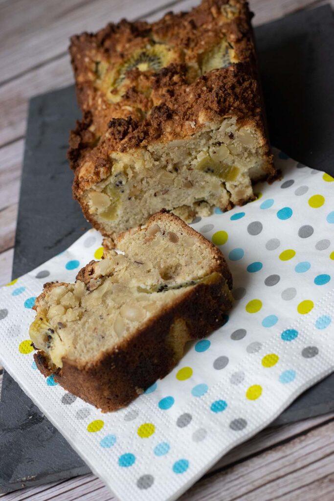 Gâteau du matin amandes, coco et kiwis 1