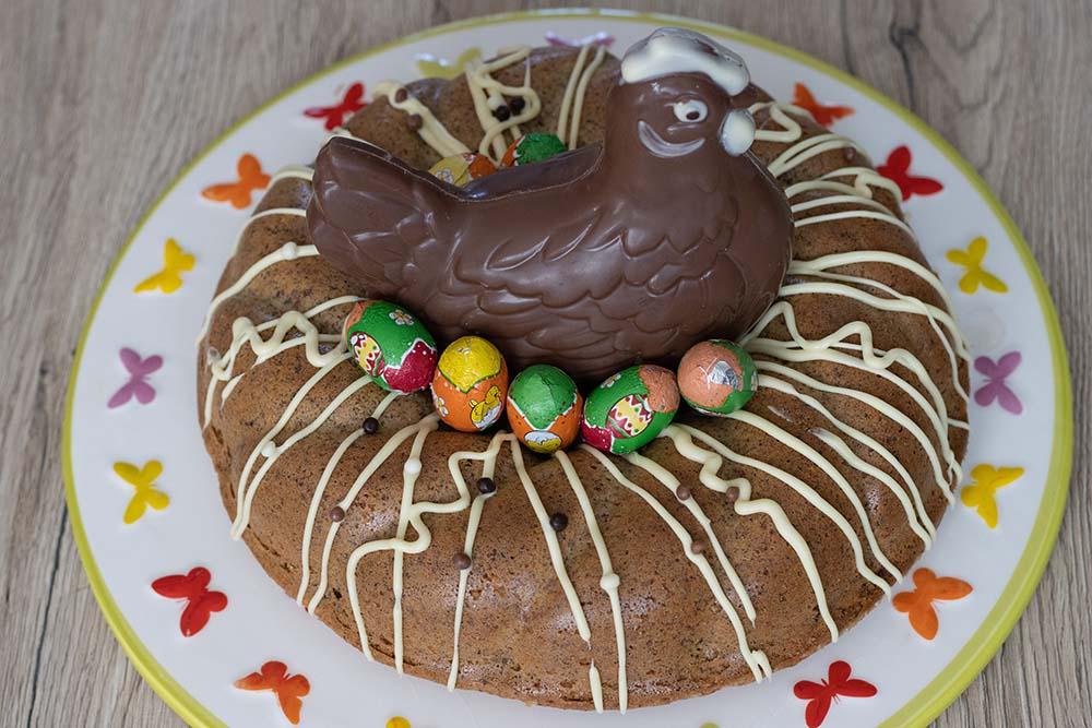 Gâteau italien aux noisettes et au café (sans farine - sans gluten) moule couronne torsadée Demarle gâteau de Pâques 1
