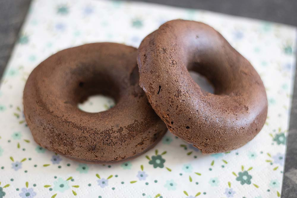 Moelleux chocolat noir compote donuts Demarle 1