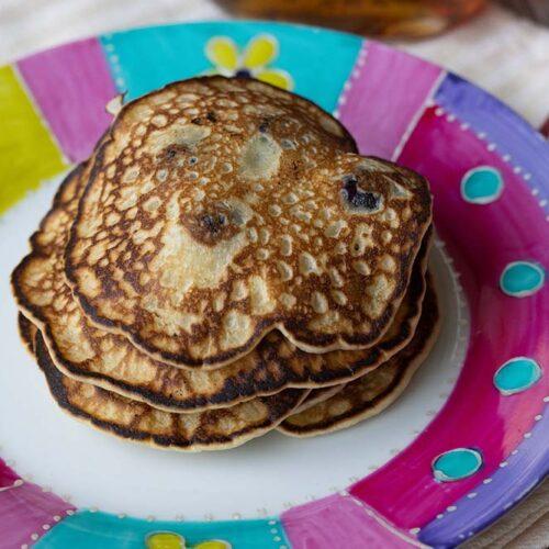Pancakes aux myrtilles et au sirop d'érable