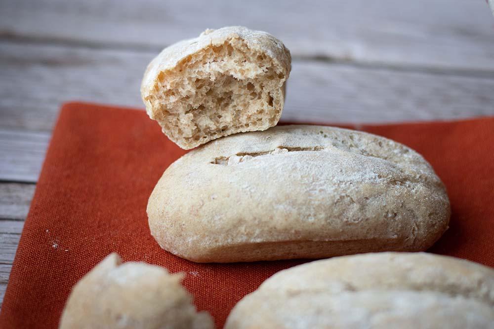 Petits pains d'épeautre allongées Flexipan ai 1