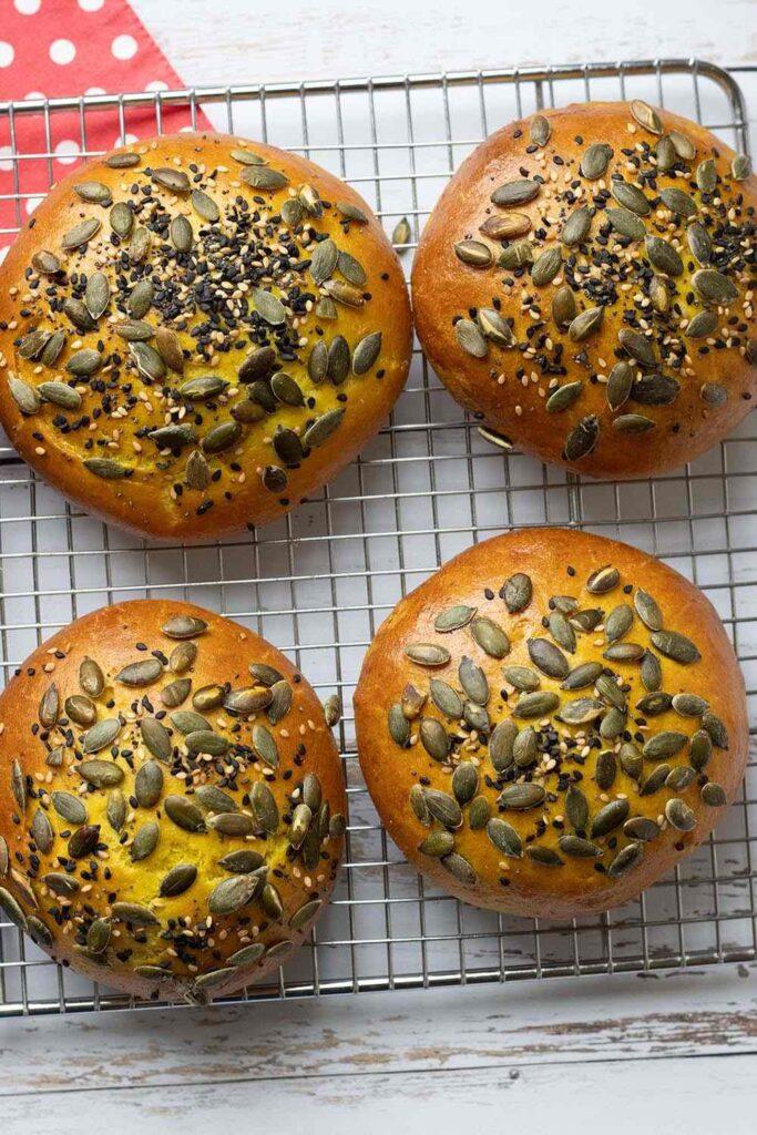 Buns au maïs pains hamburgers maison 4