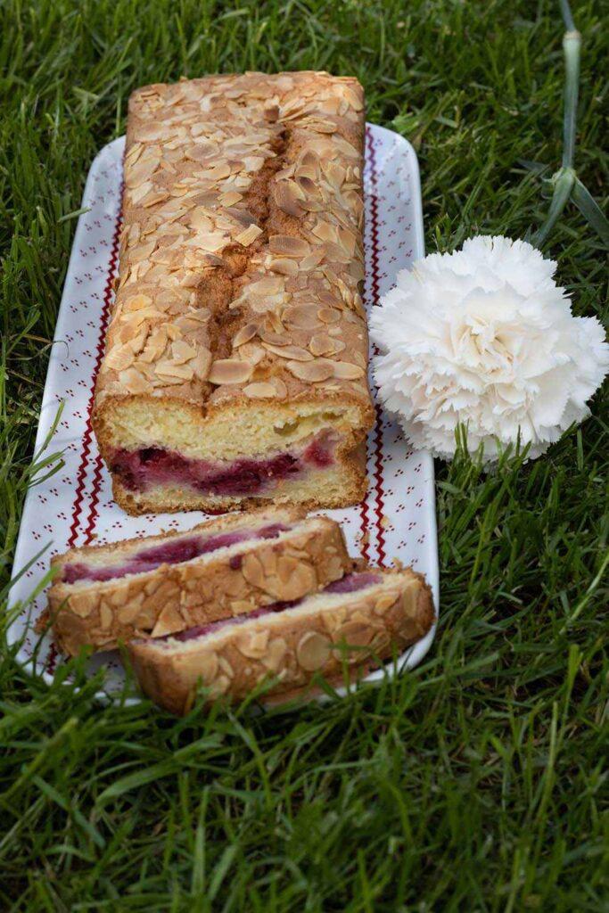 Cake neige aux framboises 3