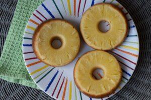 Donuts moelleux à l'ananas moule donuts Demarle Flexipan