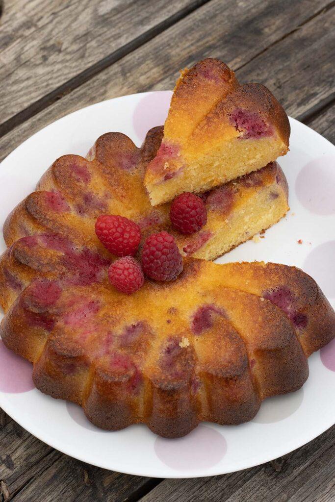 Gâteau chocolat blanc et framboises moule marguerite Demarle Flexipan 3