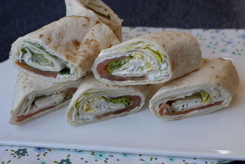 Wrap de saumon fumé, Fromage frais et salade verte