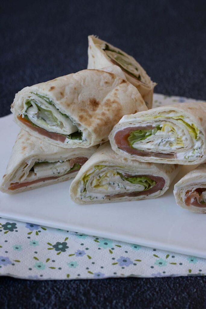 Wrap de saumon fumé, Fromage frais et salade verte 2