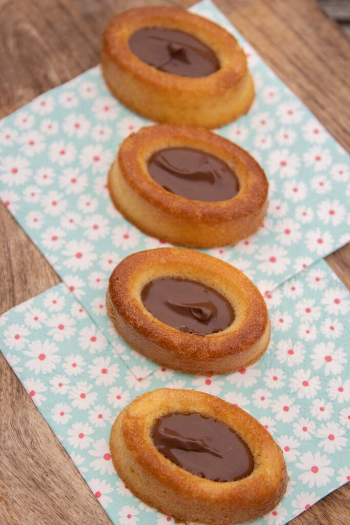 Gâteaux moelleux savarins ovales Demarle Flexipan 2