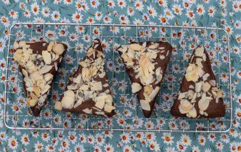 Brownies chocolat et amandes effilées empreinte Triangles Demarle Flexipan
