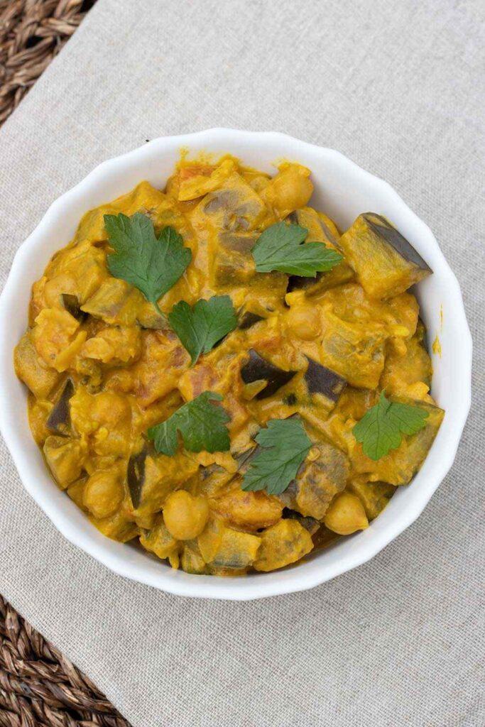 Curry d'aubergines au lait de coco 1