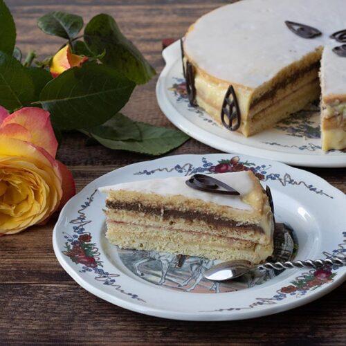 Deckelküeche ou Platteküeche (gâteau à étages alsacien)